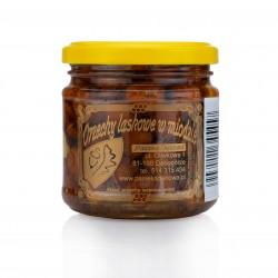 Honig mit Haselnüssen
